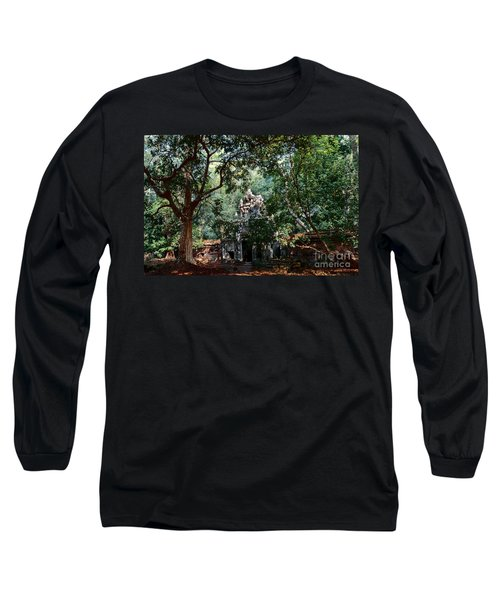 Ruin At Angkor Wat Long Sleeve T-Shirt