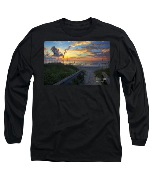 Sand Dunes On The Seashore At Sunrise - Carolina Beach Nc Long Sleeve T-Shirt