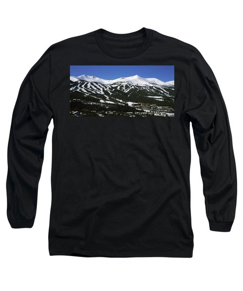 Ski Resorts In Front Of A Mountain Long Sleeve T-Shirt