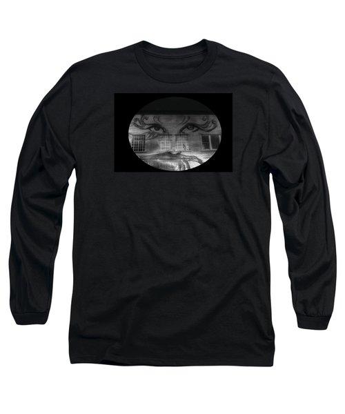Striking Eyes  Long Sleeve T-Shirt
