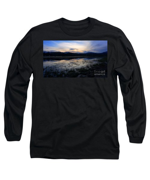 Sunset At A Lake Near Mammoth In Yellowstone Long Sleeve T-Shirt