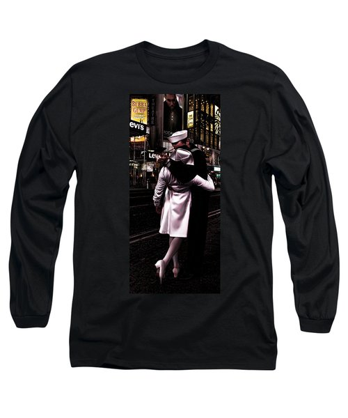 The Kiss In Times Square Long Sleeve T-Shirt