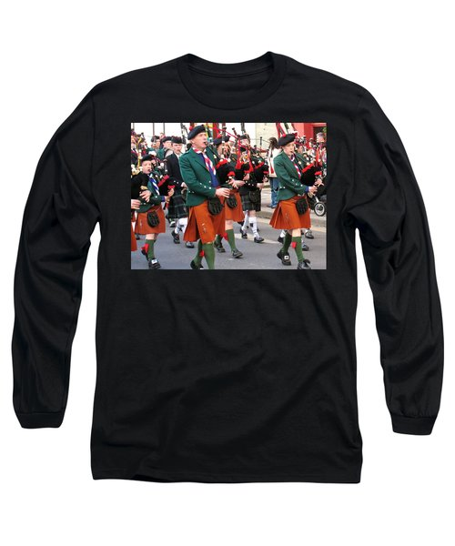 Long Sleeve T-Shirt featuring the photograph The Pipers by Suzanne Oesterling