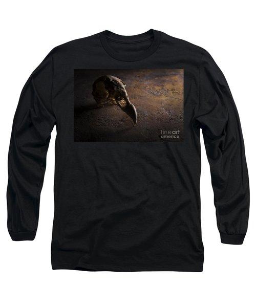 Turkey Vulture Skull On Slate Long Sleeve T-Shirt