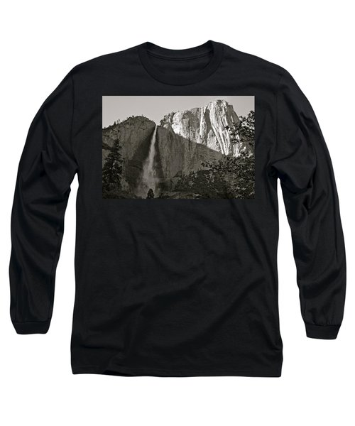 Upper Yosemite Falls Composition In Triangles Long Sleeve T-Shirt