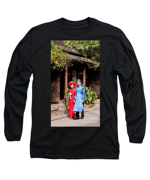 Vietnamese Wedding Couple 01 Long Sleeve T-Shirt