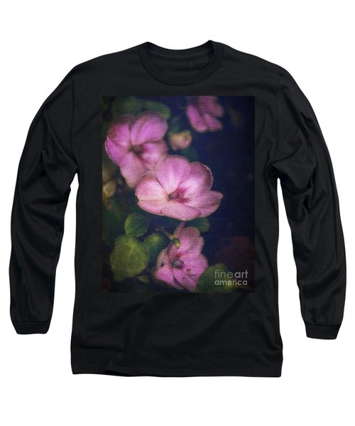 Vintage Impatiens Long Sleeve T-Shirt