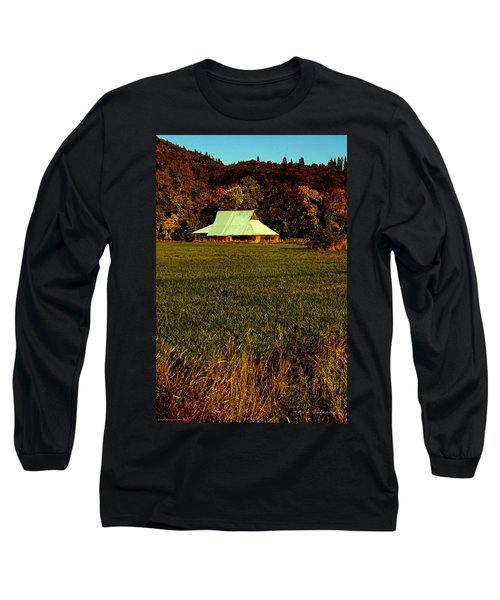 Barn In The Style Of The 60s Long Sleeve T-Shirt by Mick Anderson