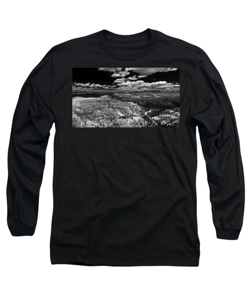 Bryce Canyon Ampitheater - Black And White Long Sleeve T-Shirt by Larry Carr