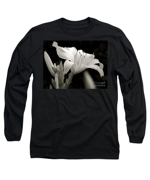 Daylily Study In Bw Iv Long Sleeve T-Shirt by Sue Stefanowicz