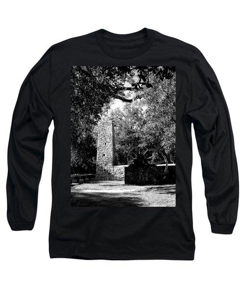 Yulee Sugarmill 2  Black And White Long Sleeve T-Shirt