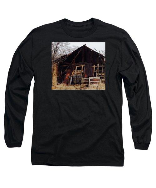 Barn Long Sleeve T-Shirt