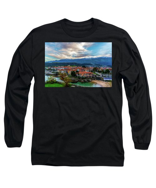 A Lot To See And Do Long Sleeve T-Shirt