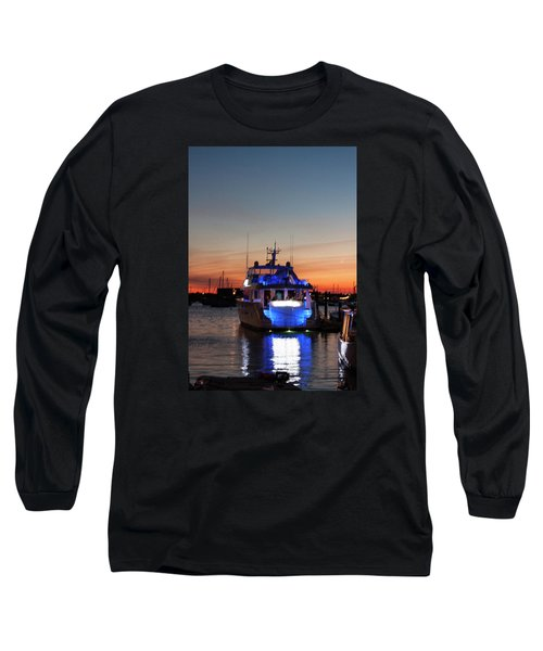 Long Sleeve T-Shirt featuring the photograph An Evening In Newport Rhode Island by Suzanne Gaff