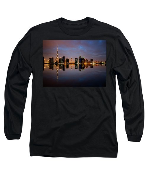Fascinating Reflection Of Tallest Skyscrapers In Bussiness Bay D Long Sleeve T-Shirt