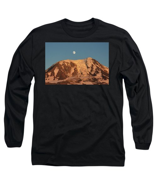 Sunset And Moonrise At Mt Adams Long Sleeve T-Shirt