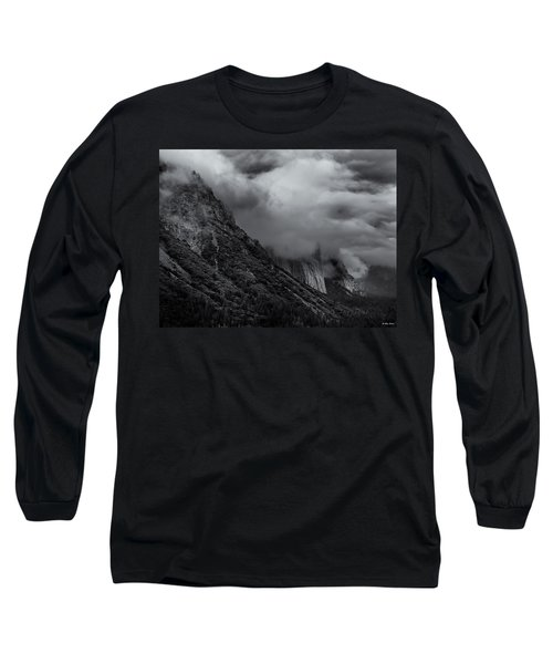Yosemite Valley Panorama In Black And White Long Sleeve T-Shirt