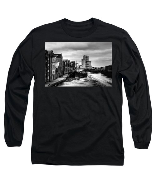 River Hull Long Sleeve T-Shirt