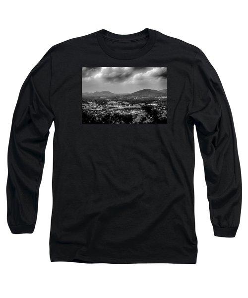 Roanoke City As Seen From Mill Mountain Star At Dusk In Virginia Long Sleeve T-Shirt