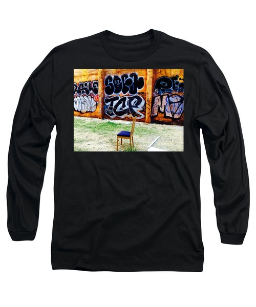 Admiring Barcelona Graffiti Wall Long Sleeve T-Shirt