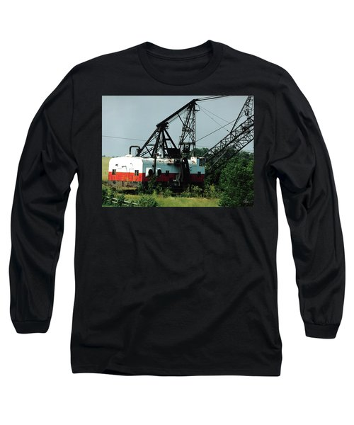 Abandoned Dragline Excavator In Amish Country Long Sleeve T-Shirt