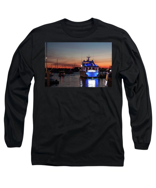 Long Sleeve T-Shirt featuring the photograph An Evening In Newport Rhode Island II by Suzanne Gaff