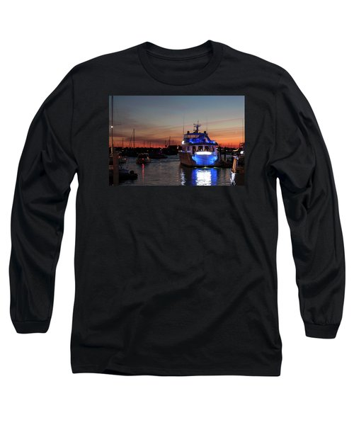 Long Sleeve T-Shirt featuring the photograph An Evening In Newport Rhode Island Iv by Suzanne Gaff