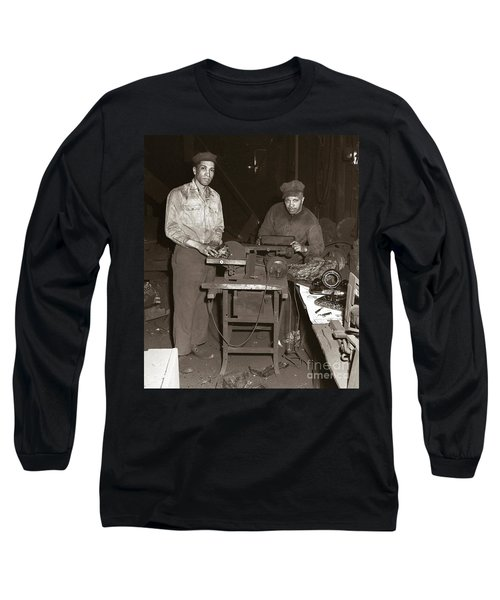 Anthracite Coal Artist  Charles Edgar Patience On Right  1906-1972 In Studio 1953    Long Sleeve T-Shirt