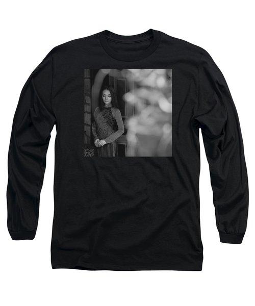 Ao Dai In Da Lat Long Sleeve T-Shirt