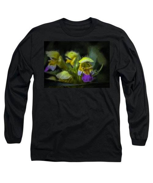 Long Sleeve T-Shirt featuring the photograph Artistic Hover by Leif Sohlman
