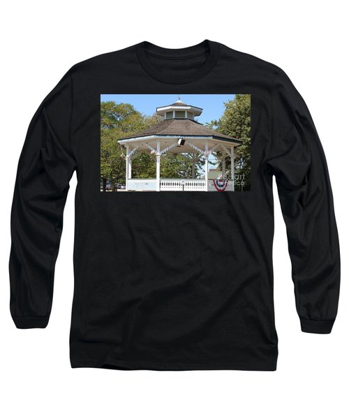 Long Sleeve T-Shirt featuring the painting Bandshell In Plymouth, Mass by Rod Jellison