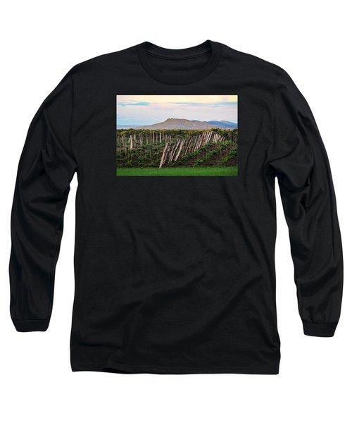 Black Birch Vineyard And Summit House View Long Sleeve T-Shirt
