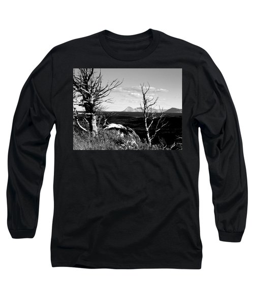 Bristle Cone Pines With Divide Mountain In Black And White Long Sleeve T-Shirt