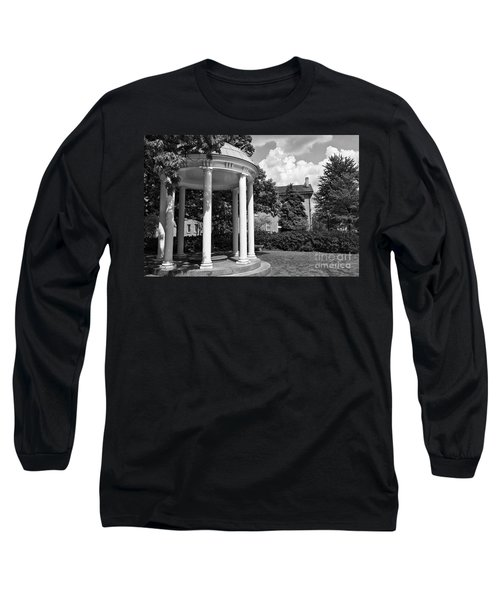 Chapel Hill Old Well In Black And White Long Sleeve T-Shirt
