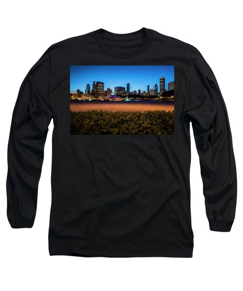 Chicago's Buckingham Fountain At Dusk  Long Sleeve T-Shirt