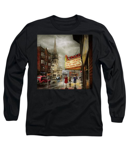 City - Amsterdam Ny - Life Begins 1941 Long Sleeve T-Shirt