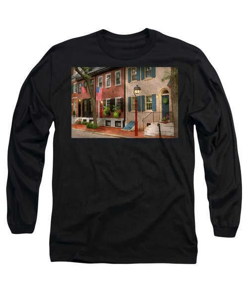Long Sleeve T-Shirt featuring the photograph City - Pa Philadelphia - American Townhouse by Mike Savad