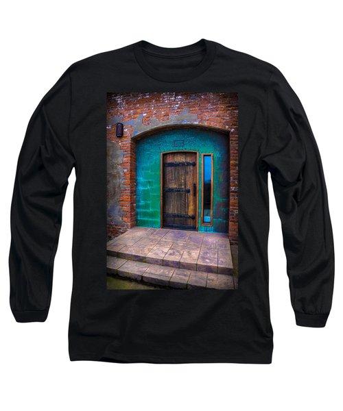 Clam Cannery Door Long Sleeve T-Shirt