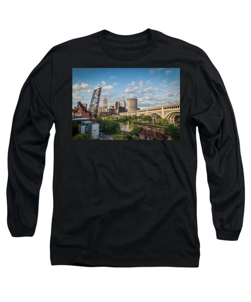 Cleveland Skyline Vista Long Sleeve T-Shirt