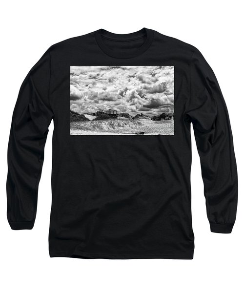 Long Sleeve T-Shirt featuring the photograph Cloudy Beach Black And White By Kaye Menner by Kaye Menner