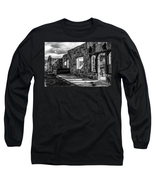 Desert Lodge Bw Long Sleeve T-Shirt