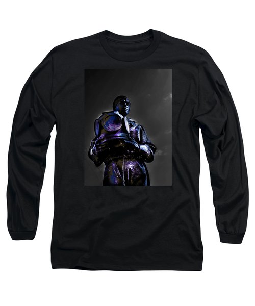 Long Sleeve T-Shirt featuring the photograph Diver by Randy Sylvia