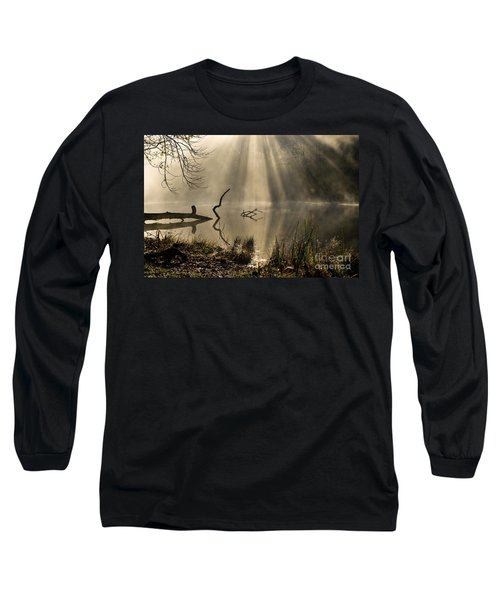 Long Sleeve T-Shirt featuring the photograph Ethereal - D009972 by Daniel Dempster
