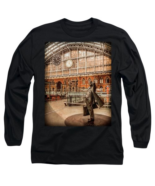 London, England - Flying Time Long Sleeve T-Shirt