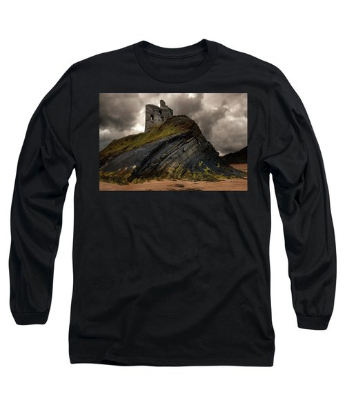 Long Sleeve T-Shirt featuring the photograph Forgotten Castle In Ballybunion by Jaroslaw Blaminsky