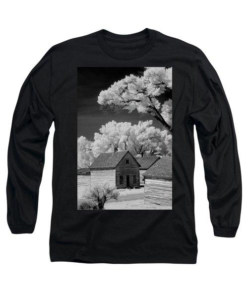 Ghost Town Bannack, Mt  Long Sleeve T-Shirt