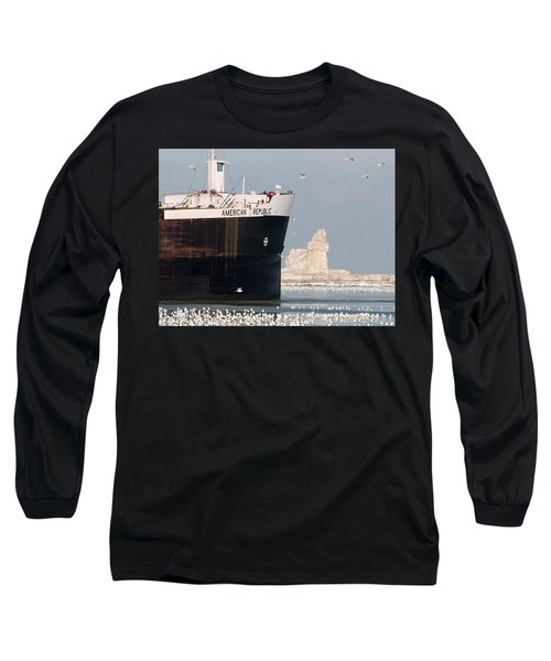 Great Lakes Ship Passing A Frozen Cleveland Lighthouse Long Sleeve T-Shirt