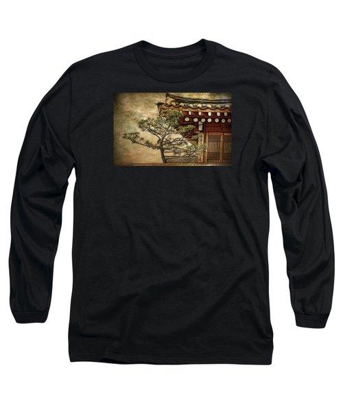 Hanok And Pine Long Sleeve T-Shirt