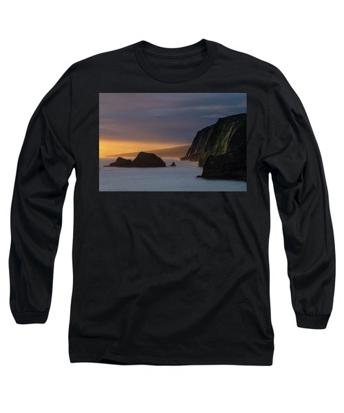 Hawaii Sunrise At The Pololu Valley Lookout Long Sleeve T-Shirt