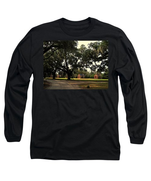 Historic Slave Houses At Boone Hall Plantation In Sc Long Sleeve T-Shirt